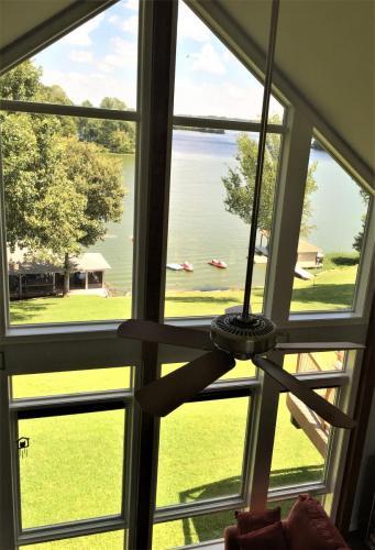 Lake Anna Great Room